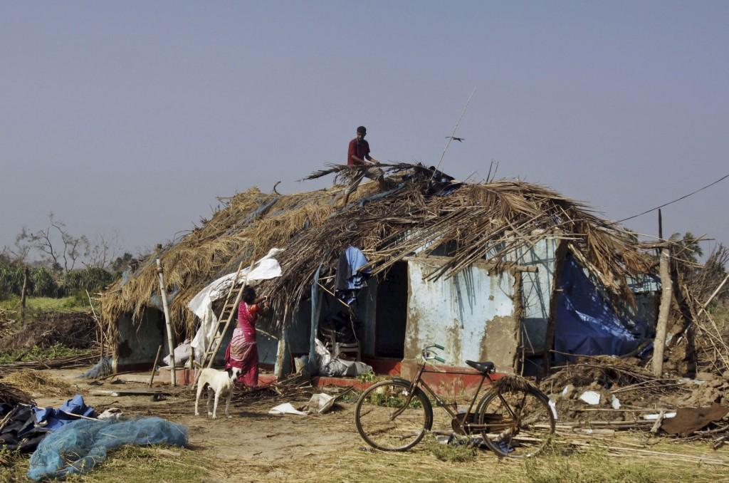 India Cyclone aid