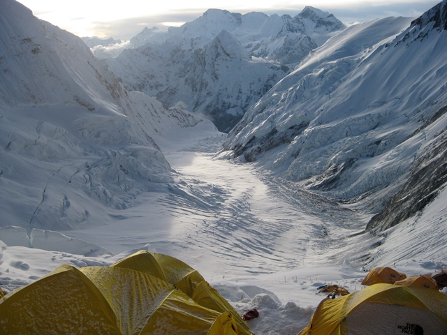 Everest camp - Robert Kay - World Help blog