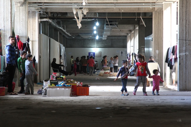 Iraqi refugees seek shelter in abandoned mall