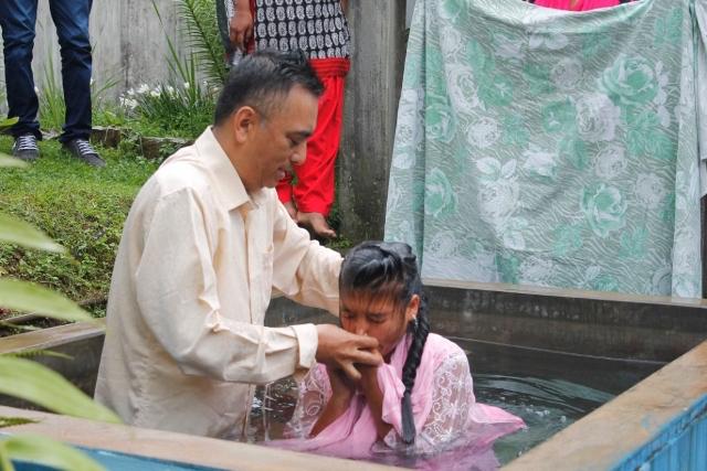 India baptism - World Help